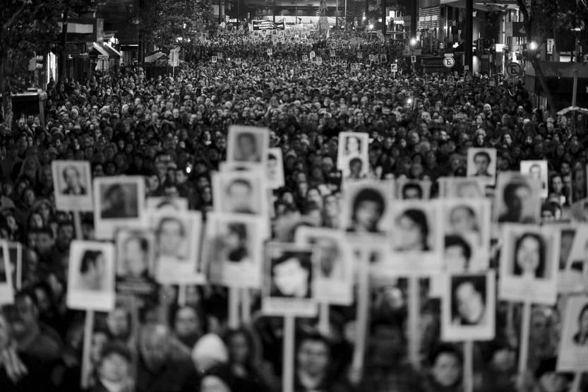 21ª Marcha del Silencio, en Montevideo. Foto: Santiago Mazzarovich.