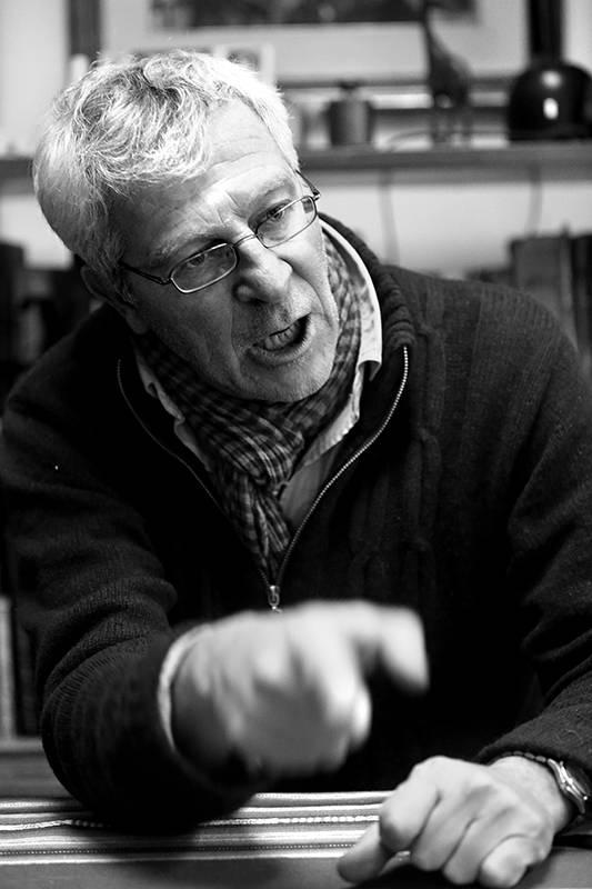 José López Mazz, antropólogo especializado en arqueología, durante la entrevista con la diaria. /Foto: Sandro Pereyra