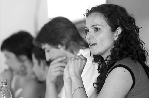 La directora de Desarrollo Local y Economía Social del gobierno de la provincia de Buenos Aires, Inés Arancibia, ayer, en la Fcultad de Ciencias Económicas y de Administración.