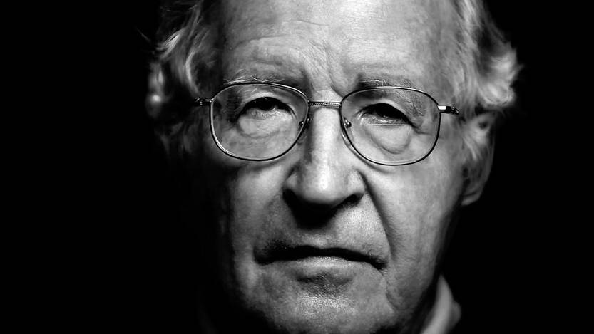 Noam Chomsky.    Requiem for the American Dream. Dirigido por Kelly Nycks, Jared P Scott y Peter D Hutchinson. Estados Unidos, 2015.