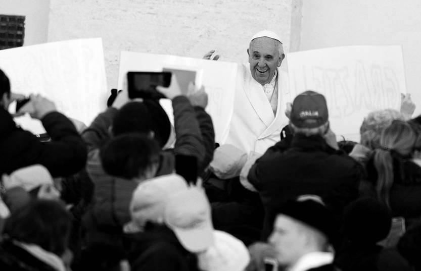 El papa Francisco a su llegada a la audiencia general de los días miércoles en la Plaza de San Pedro, en la Ciudad del Vaticano el pasado 5 de marzo. /Foto: Maurizio Brambatti, Efe