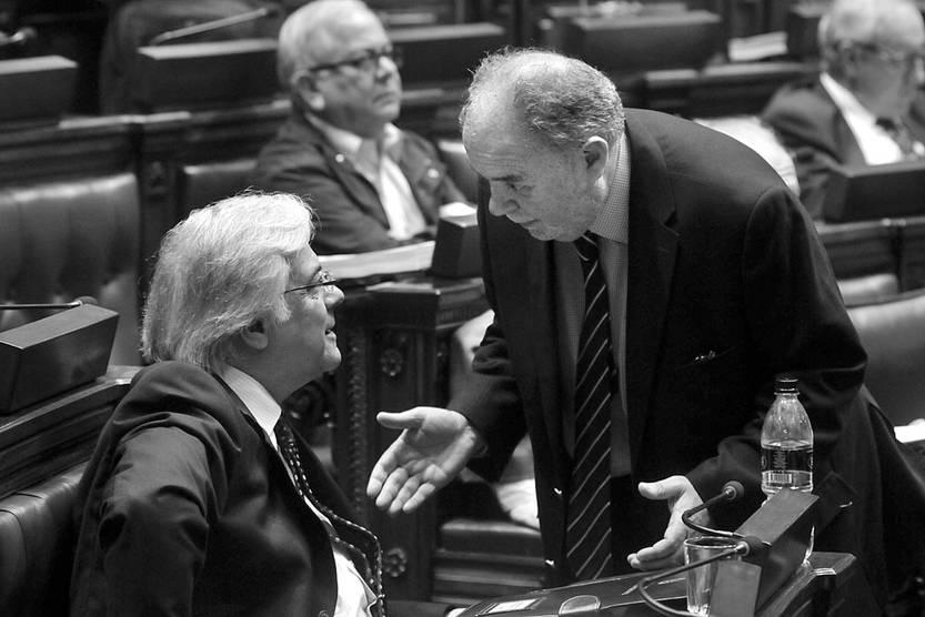 Gonzalo Mujica y Jaime Trobo, durante la sesión de la Cámara de Diputados. Foto: Federico Gutiérrez (archivo, noviembre de 2016)