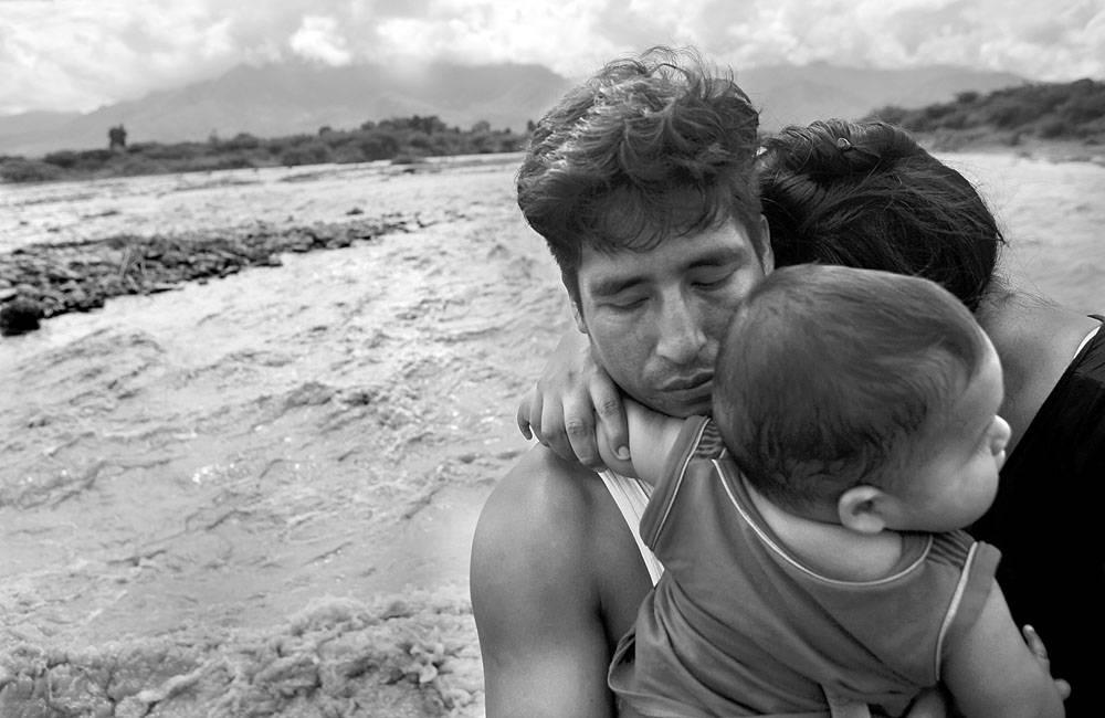 Llega ayuda de Colombia a Perú
