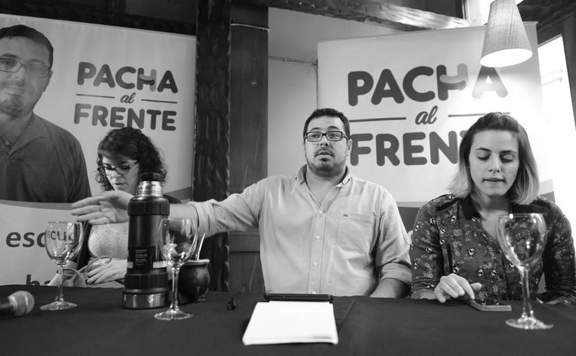 Viviana Barreto, Alejandro Sánchez y Denisse Legrand durante la conferencia sobre Brasil en el Centro Euskal Herria. / Foto: Santiago Mazzarovich