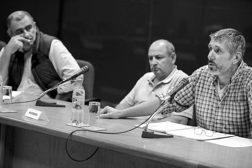 Representantes del Sindicato de Nolir SA, del Grupo Caputto, ayer, en la comisión de Legislación del Trabajo de la Cámara de Diputados. Foto: Santiago Mazzarovich