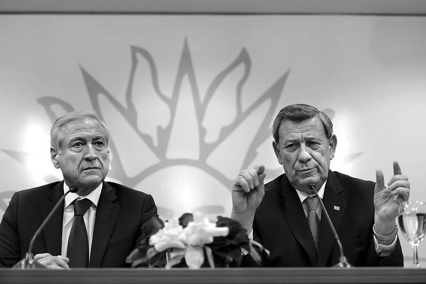Heraldo Muñoz y Rodolfo Nin Novoa, el martes, en la Torre Ejecutiva. Foto: Santiago Mazzarovich