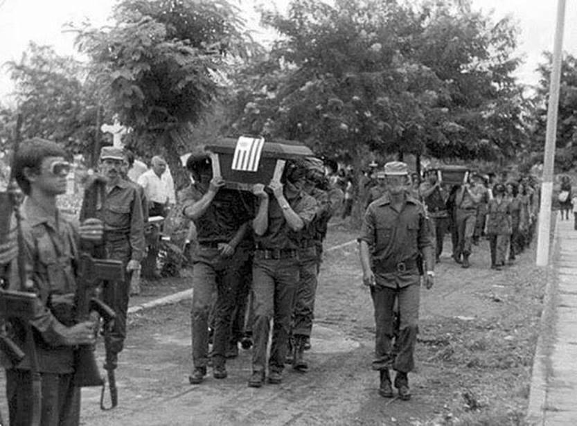 Sepelio de Héctor Altesor, en agosto de 1979, en Managua, Nicaragua. Foto: s/d de autor