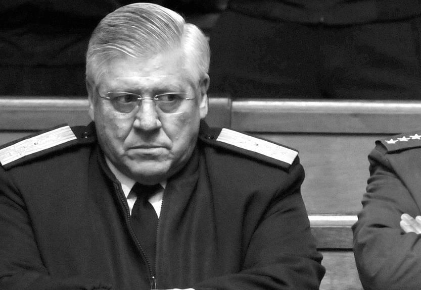 Vázquez sancionó a comandante en jefe de la Armada por carta intimidatoria a la diaria