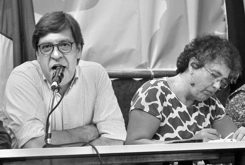Javier Miranda en el Congreso del Frente Amplio Rodney Arismendi, el sábado, en el club Atenas. Foto: Federico Gutiérrez