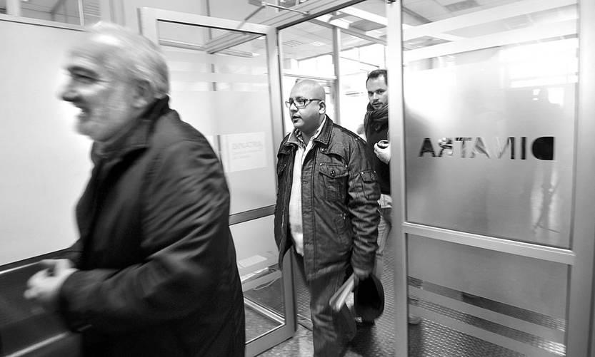 Wilson Netto, presidente del Codicen, y José Olivera, dirigente de Fenapes, ayer, en el Ministerio de Trabajo y Seguridad Social. Foto: Federico Gutiérrez