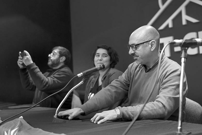 Fernando Pereira, Tamara García y Marcelo Abdala, durante una rueda de prensa, ayer, en la sede del PIT-CNT. Foto: Andrés Cuenca