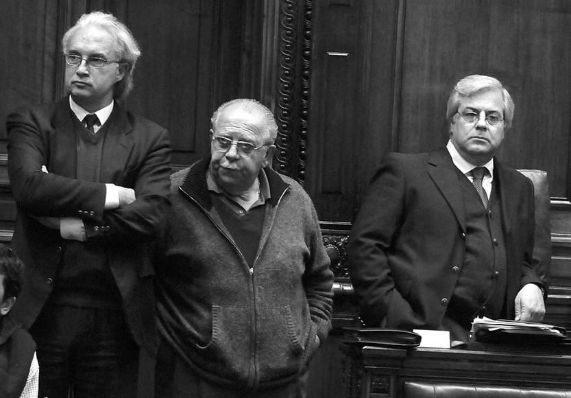 Rúben Martínez Huelmo, Víctor Semproni y Gonzalo Mujica, en la Cámara de Diputados. (archivo, junio de 2011)