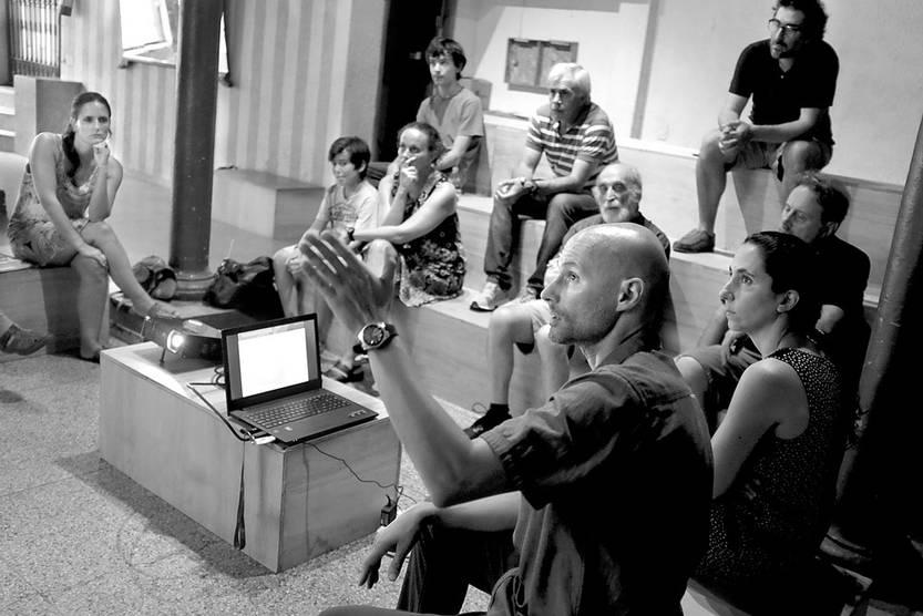 Charla sobre el Proyecto UPM, el jueves, en el media lab de la diaria. Foto: Pablo Vignali