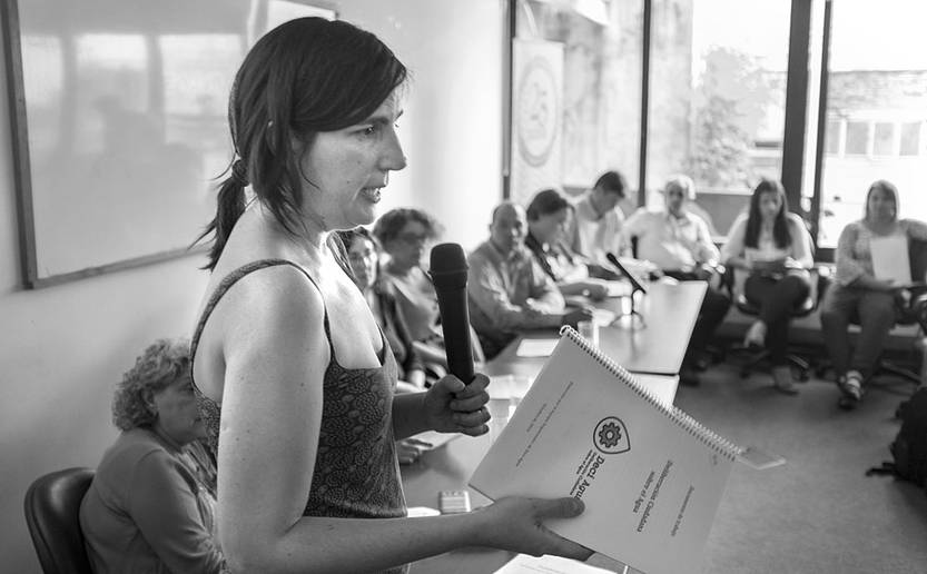 Marila Lázaro, durante la entrega de informe final del panel ciudadano Deci Agua. Foto: Adrián Mariotti (archivo, diciembre de 2016)
