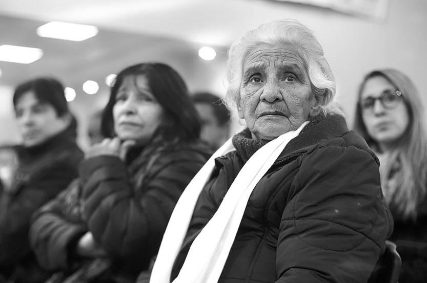Ondina Olivera, madre de Guillermo Machado, y sus hermanos Shirley y Legui Machado, el viernes, en la sede del Sindicato Único Nacional de la Construcción y Anexos. Foto: Juan Manuel Ramos