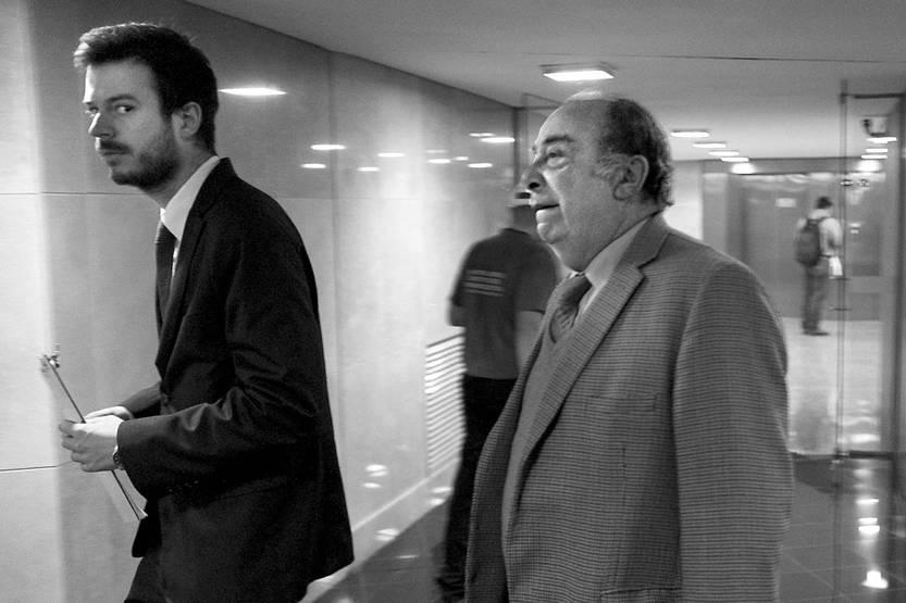 Gonzalo Fernández asiste a la comisión investigadora por espionaje en democracia, ayer, en el edificio anexo del Palacio Legislativo. Foto: Pablo Vignali