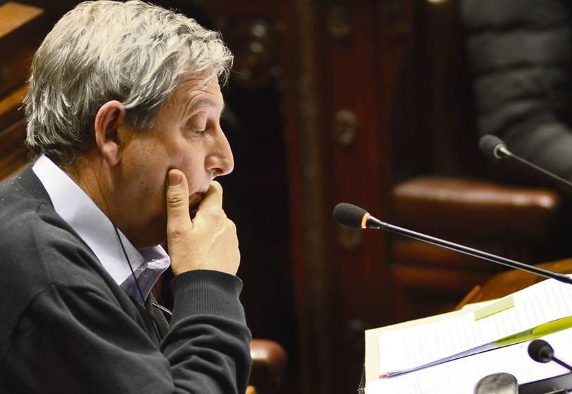 El parlamento aprob el tlc con chile la diaria for Streaming parlamento