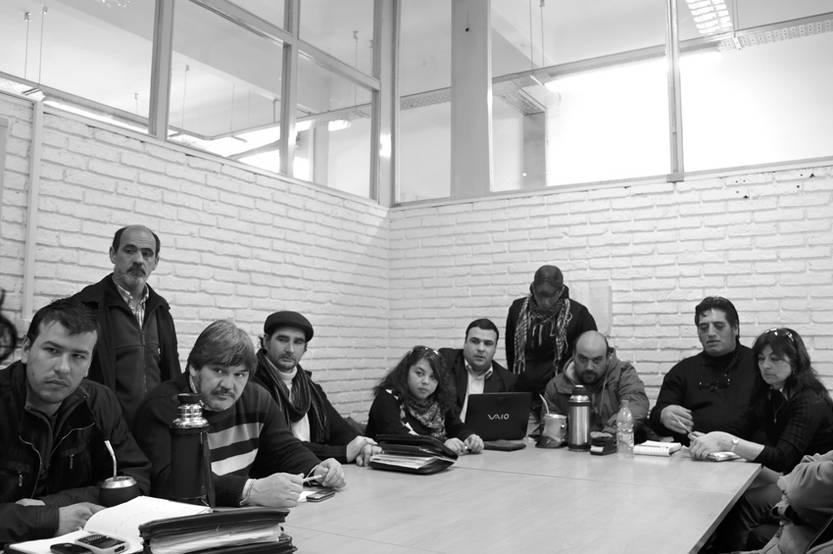 Delegados de FUECYS, ayer, en la Dirección Nacional de Trabajo.