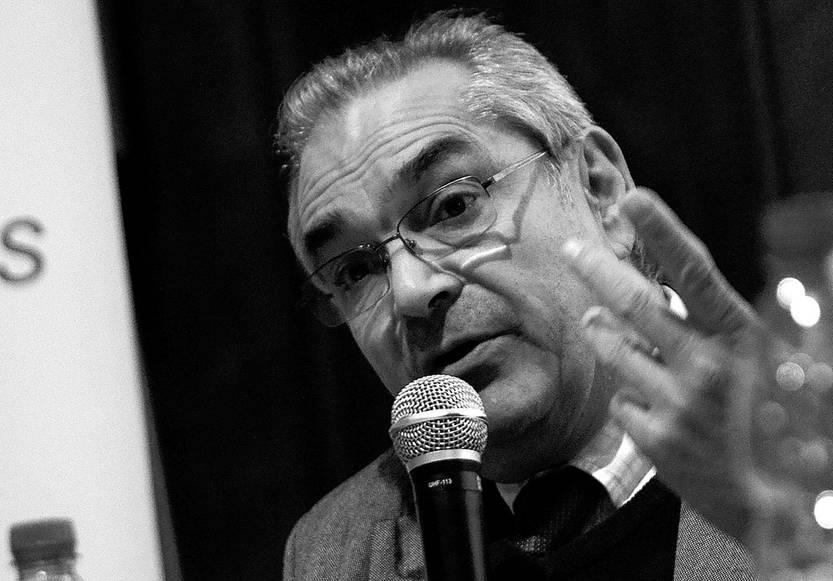 Enzo Benech, ministro interino de Ganadería, Agricultura y Pesca, ayer, en el Instituto de Investigaciones Biológicas Clemente Estable. Foto: Pablo Vignali