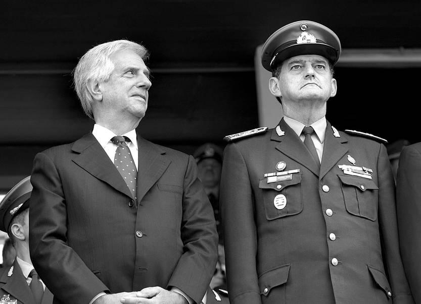 Tabaré Vázquez y Guido Manini Ríos. Foto: Andrés Cuenca (archivo, mayo de 2017)