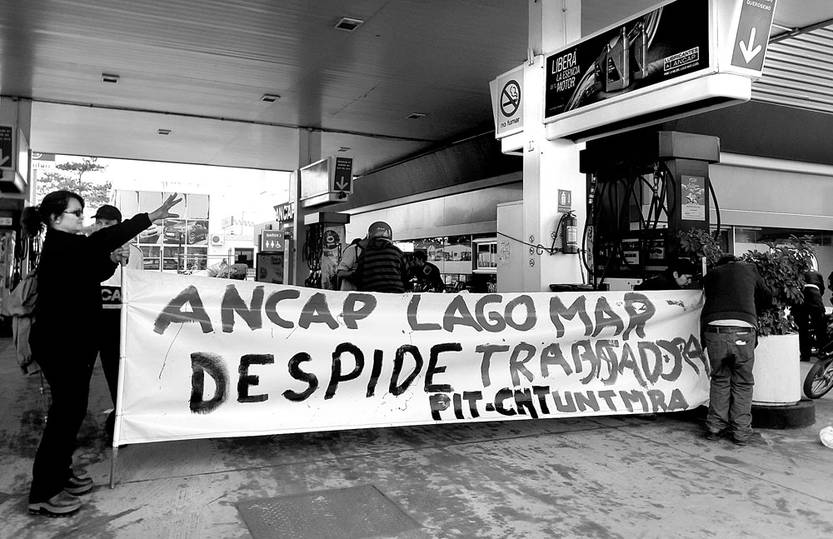 """Trabajadores ocuparon estación de ANCAP de Lagomar en defensa de una cajera despedida de forma """"arbitraria"""""""