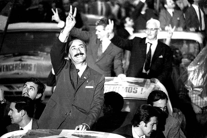 Liber Seregni, Juan José Crottogini y Hugo Villar durante la llamada Cruzada de la Victoria del Frente Amplio. • foto: archivo el popular, s/d de autor (archivo, noviembre de 1971