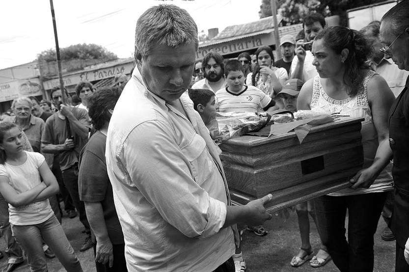 Sepelio de Alberto Mechoso, en el Cementerio del Cerro. (archivo, diciembre de 2012)