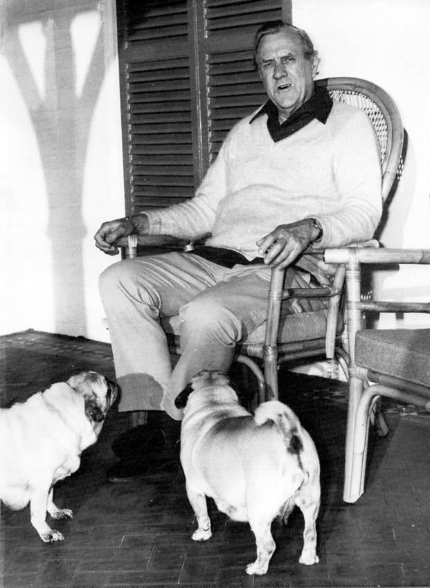 Patrick White, escritor australiano ganador del premio Nobel de Literatura de 1973, fotografiado en Sidney (Australia) el 19 de octubre de 1973. / Foto: S/D Autor, Wikipedia, Dutch National Archives
