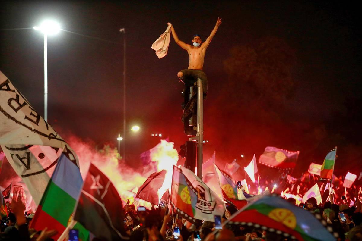 Chile: una aplastante mayoría decidió que se elabore una nueva Constitución | la diaria | Uruguay