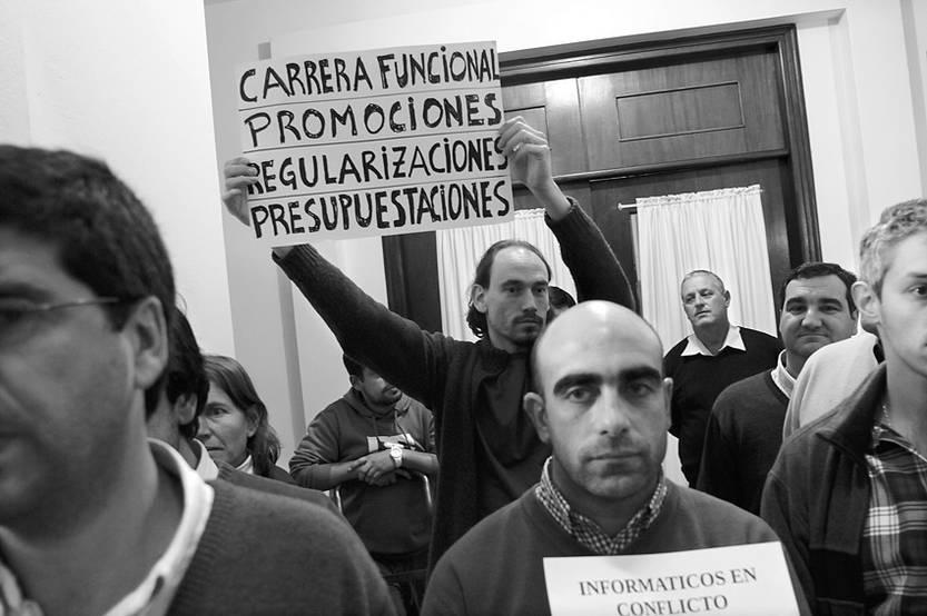 Concentración de funcionarios del sector informático de la Intendencia de Montevideo, ayer durante el Congreso de Intendentes.