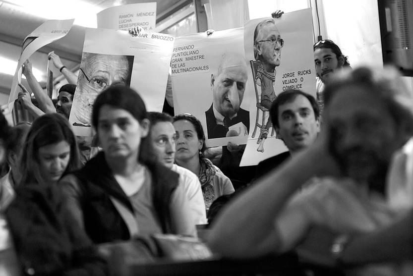 Audiencia pública en el marco del proyecto de Recepción y Regasificación de Gas Natural Licuado y Gasoducto, ayer, en Burdeos y acceso a Puntas de Sayago, oeste de Montevideo.